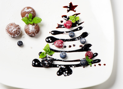 Cupcakes and sweet christmas tree with berries