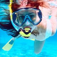 Diet-chica-snorkel