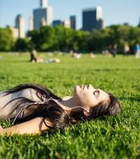 Diet-descanso-parque-ciudad